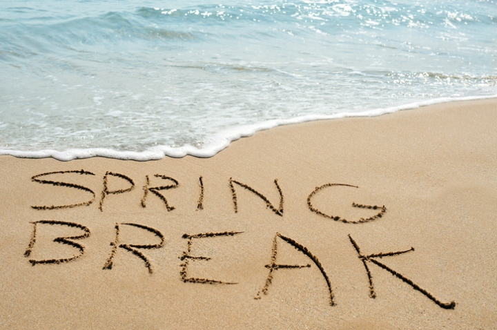 Spring-Break-Family-Beach